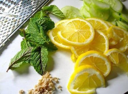 Вода с имбирем и мятой и лимоном